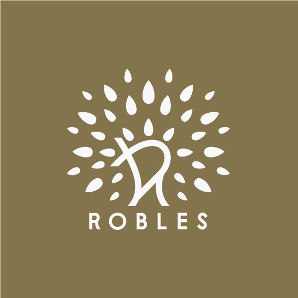 Portafolio logo bolsos robles
